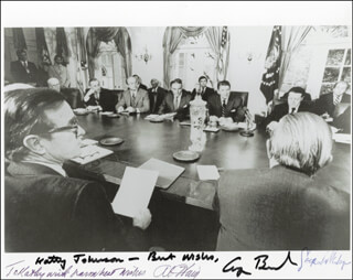 Autographs: PRESIDENT GEORGE H.W. BUSH - INSCRIBED PHOTOGRAPH SIGNED CIRCA 1982 CO-SIGNED BY: CASPAR W. WEINBERGER, GENERAL ALEXANDER M. HAIG JR.