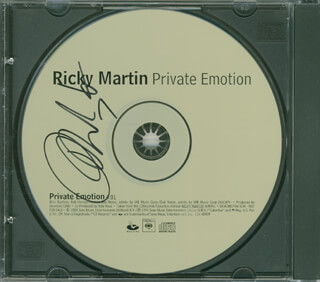 RICKY MARTIN - DVD/CD COVER SIGNED
