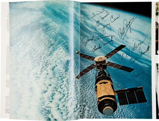 SKYLAB SPACE STATION - MAGAZINE SIGNED CO-SIGNED BY: CAPTAIN PAUL J. WEITZ, COLONEL JACK LOUSMA, CAPTAIN JOSEPH KERWIN, COLONEL GERALD P. JERRY CARR, COLONEL WILLIAM R. BILL POGUE, CAPTAIN ALAN L. BEAN, OWEN K. GARRIOTT