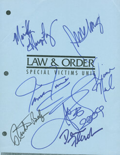 Autographs: LAW AND ORDER SVU TV CAST - SCRIPT PAGE SIGNED CO-SIGNED BY: RICHARD BELZER, ICE-T , MARISKA HARGITAY, DANN FLOREK, B. D. WONG, TAMARA TUNIE, DIANE NEAL