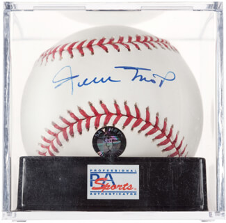 WILLIE SAY HEY KID MAYS - AUTOGRAPHED SIGNED BASEBALL