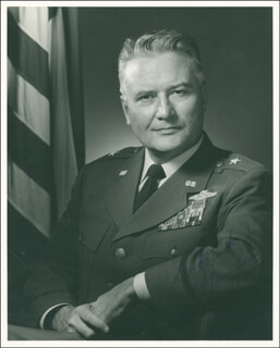 Autographs: BRIGADIER GENERAL WILLIAM D. DUNHAM - PHOTOGRAPH SIGNED