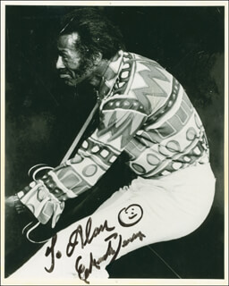 CHUCK BERRY - AUTOGRAPHED INSCRIBED PHOTOGRAPH