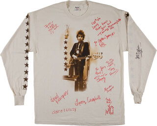 Autographs: BOB DYLAN - SHIRT SIGNED CO-SIGNED BY: DAVID KEMPER, LARRY CAMPBELL, TOMMY MORRONGIELLO, DON FITZSIMMONDS, TONY GARNIER