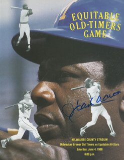 Autographs: HANK AARON - PAMPHLET SIGNED