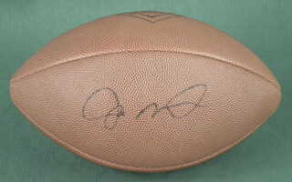 Autographs: JOE MONTANA - FOOTBALL SIGNED