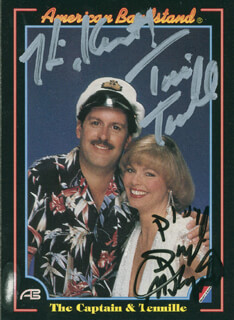 CAPTAIN & TENNILLE - INSCRIBED TRADING/SPORTS CARD SIGNED CO-SIGNED BY: CAPTAIN & TENNILLE (DARYL DRAGON), CAPTAIN & TENNILLE (TONI TENNILLE)