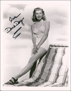DORIS DAY - AUTOGRAPHED SIGNED PHOTOGRAPH