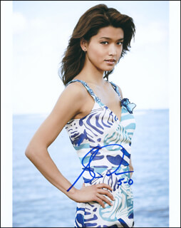 GRACE PARK - AUTOGRAPHED SIGNED PHOTOGRAPH
