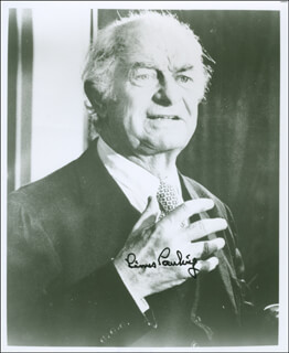 LINUS PAULING - AUTOGRAPHED SIGNED PHOTOGRAPH