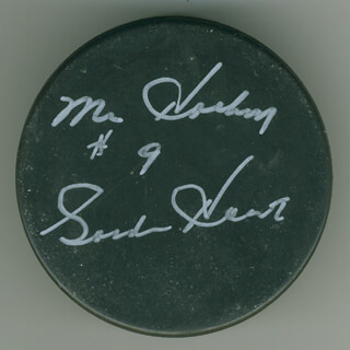 GORDIE HOWE - HOCKEY PUCK SIGNED