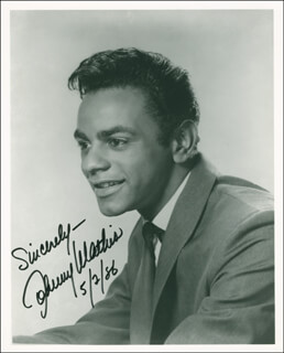 JOHNNY MATHIS - AUTOGRAPHED SIGNED PHOTOGRAPH 05/02/1986