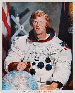 RUSTY SCHWEICKART - AUTOGRAPHED SIGNED PHOTOGRAPH