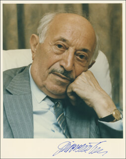 Autographs: SIMON WIESENTHAL - PHOTOGRAPH SIGNED
