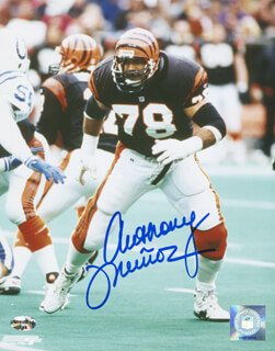 ANTHONY MUNOZ - AUTOGRAPHED SIGNED PHOTOGRAPH