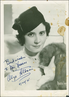 Autographs: COUNTESS OLGA ALBANI - INSCRIBED PHOTOGRAPH SIGNED 04/22/1935
