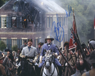 ROBERT DUVALL - AUTOGRAPHED SIGNED PHOTOGRAPH