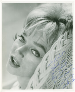 YVETTE VICKERS - AUTOGRAPHED INSCRIBED PHOTOGRAPH