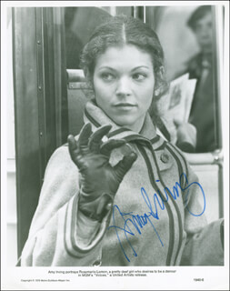 AMY IRVING - AUTOGRAPHED SIGNED PHOTOGRAPH