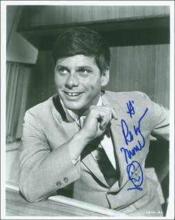 ROBERT MORSE - AUTOGRAPHED SIGNED PHOTOGRAPH