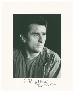 ROBERT DENIRO - AUTOGRAPHED INSCRIBED PHOTOGRAPH