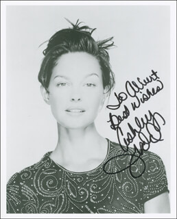 ASHLEY JUDD - AUTOGRAPHED INSCRIBED PHOTOGRAPH