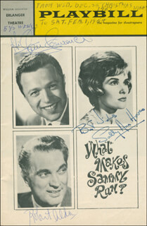 WHAT MAKES SAMMY RUN? PLAY CAST - PROGRAM SIGNED CO-SIGNED BY: ROBERT ALDA, STEVE LAWRENCE, SALLY ANN HOWES, BERNICE MASSI