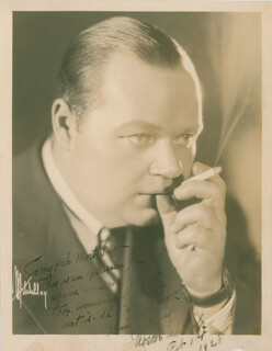 Autographs: ROSCOE FATTY ARBUCKLE - INSCRIBED PHOTOGRAPH SIGNED 02/01/1928