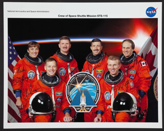Autographs: SPACE SHUTTLE DISCOVERY - STS - 115 CREW - PHOTOGRAPH SIGNED CO-SIGNED BY: STEVE MacLEAN, CAPTAIN HEIDE STEFANYSHYN-PIPER, CAPTAIN CHRISTOPHER FERGUSON, JOSEPH TANNER, CAPTAIN DANIEL BURBANK, CAPTAIN BRENT JETT