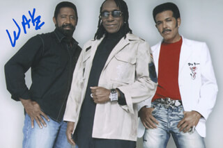 THE COMMODORES (WILLIAM KING) - AUTOGRAPHED SIGNED PHOTOGRAPH