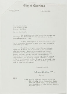 Autographs: ASSOCIATE JUSTICE HAROLD H. BURTON - TYPED LETTER SIGNED 07/31/1940