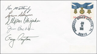 SPACE SHUTTLE DISCOVERY - STS - 51C CREW - COMMEMORATIVE ENVELOPE SIGNED CO-SIGNED BY: COLONEL JAMES F. BUCHLI, MAJOR GARY PAYTON, COLONEL LOREN SHRIVER, LT. COLONEL ELLISON S. EL ONIZUKA, REAR ADMIRAL KEN MATTINGLY II