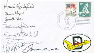 SPACE SHUTTLE CHALLENGER - STS - 61A CREW - COMMEMORATIVE ENVELOPE SIGNED CO-SIGNED BY: COLONEL JAMES F. BUCHLI, WUBBO OCKELS, BONNIE J. DUNBAR, COLONEL HENRY HANK HARTSFIELD JR., COLONEL STEVE NAGEL, ERNST MESSERSCHMID, REINHARD FURRER, COLONEL GUION S. GUY BLUFORD JR.