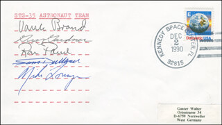 SPACE SHUTTLE COLUMBIA - STS - 35 CREW - COMMEMORATIVE ENVELOPE SIGNED CO-SIGNED BY: MIKE (JOHN M.) LOUNGE, COLONEL GUY S. GARDNER, VANCE BRAND, RONALD A. PARISE, SAMUEL DURRANCE
