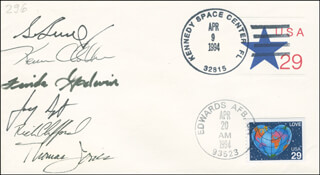 SPACE SHUTTLE ENDEAVOUR - STS - 59 CREW - COMMEMORATIVE ENVELOPE SIGNED CO-SIGNED BY: LT. COLONEL MICHAEL RICH CLIFFORD, THOMAS D. JONES, LINDA GODWIN, JAY APT, GENERAL KEVIN CHILLI CHILTON, COLONEL SIDNEY GUTIERREZ