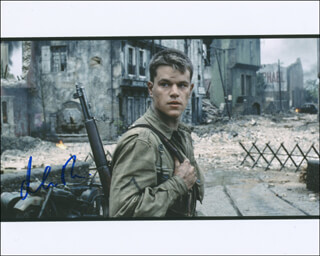MATT DAMON - AUTOGRAPHED SIGNED PHOTOGRAPH