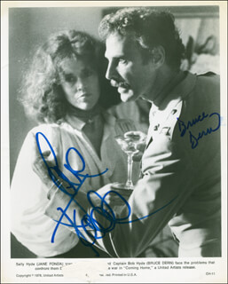 Autographs: COMING HOME MOVIE CAST - PHOTOGRAPH SIGNED CO-SIGNED BY: BRUCE DERN, JANE FONDA