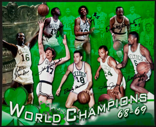 Autographs: BOSTON CELTICS - PHOTOGRAPH SIGNED CO-SIGNED BY: JOHN HAVLICEK, BILL RUSSELL, BAILEY HOWELL, SAM JONES, EM BRYANT, DON CHENEY, MAL GRAHAM, TOM SATCH SANDERS