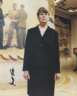Autographs: JANET RENO - PHOTOGRAPH SIGNED