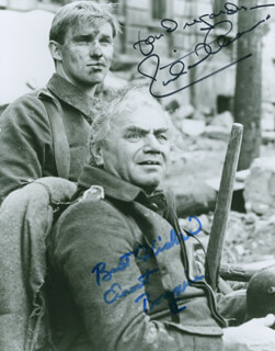 Autographs: ALL QUIET ON THE WESTERN FRONT TV CAST - PHOTOGRAPH SIGNED CO-SIGNED BY: RICHARD THOMAS, ERNEST BORGNINE