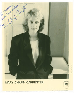 MARY CHAPIN CARPENTER - AUTOGRAPHED INSCRIBED PHOTOGRAPH