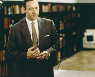 KEVIN SPACEY - AUTOGRAPHED SIGNED PHOTOGRAPH