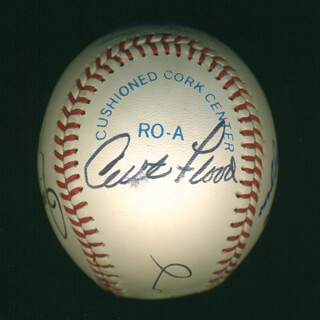 CURT FLOOD - AUTOGRAPHED SIGNED BASEBALL CO-SIGNED BY: WILLIE STRETCH McCOVEY, ERNIE MR. CUB BANKS, ROLLIE FINGERS, JOE DIMAGGIO