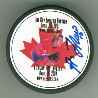 GUY LAFLEUR - HOCKEY PUCK SIGNED