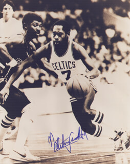 Autographs: NATE TINY ARCHIBALD - PHOTOGRAPH SIGNED