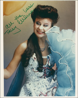 TRACEY ULLMAN - AUTOGRAPHED SIGNED PHOTOGRAPH