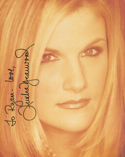 TRISHA YEARWOOD - AUTOGRAPHED INSCRIBED PHOTOGRAPH