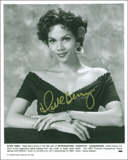 HALLE BERRY - AUTOGRAPHED SIGNED PHOTOGRAPH