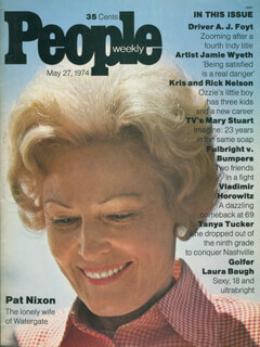 FIRST LADY PATRICIA R. NIXON - MAGAZINE UNSIGNED 05/27/1974