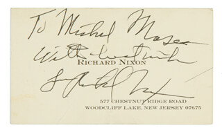 Autographs: PRESIDENT RICHARD M. NIXON - AUTOGRAPH NOTE ON BUSINESS CARD SIGNED